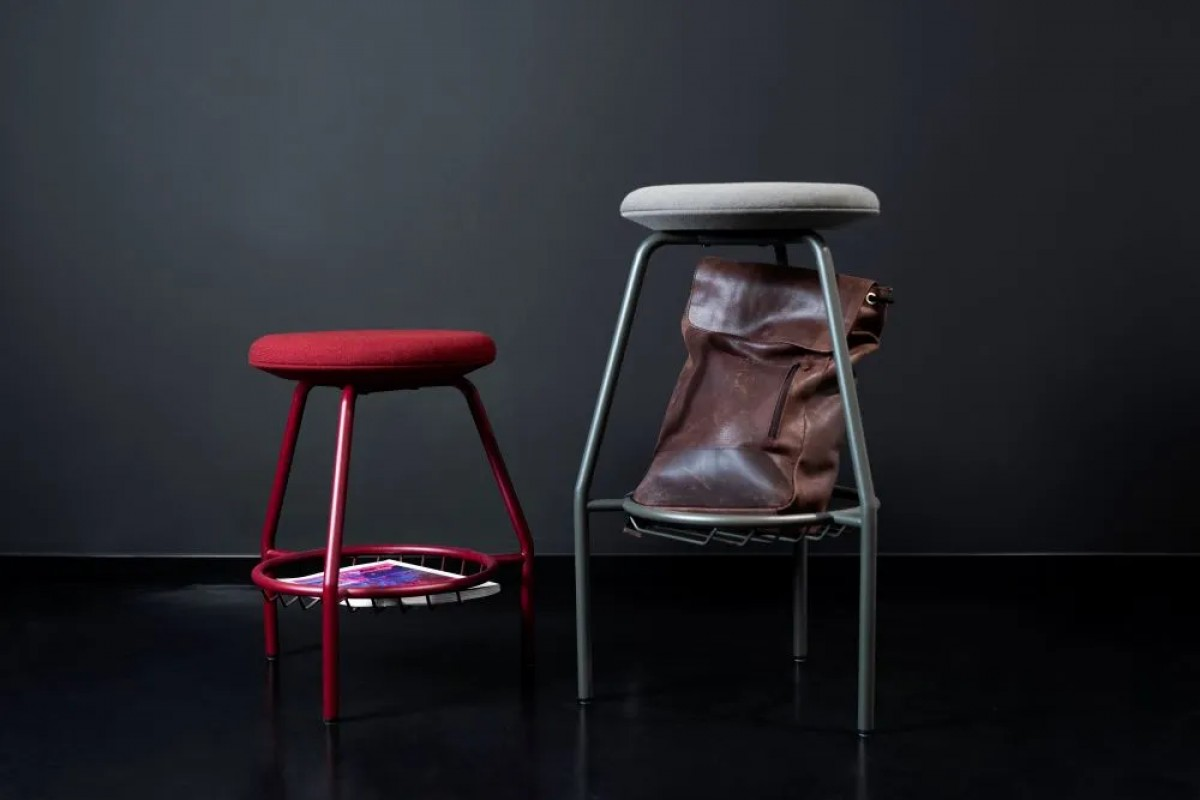 PUNG BAR STOOLS AND STOOLS
