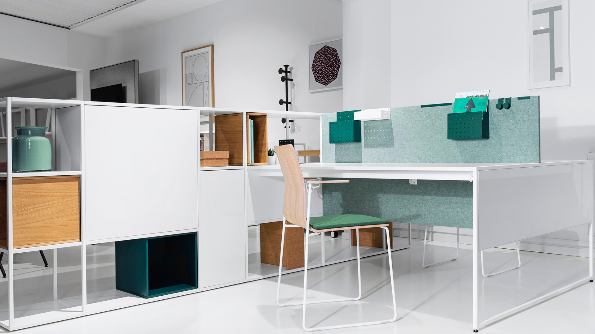 New in our offer!  The Balma STEPPS collection has been supplemented with tables and desks.