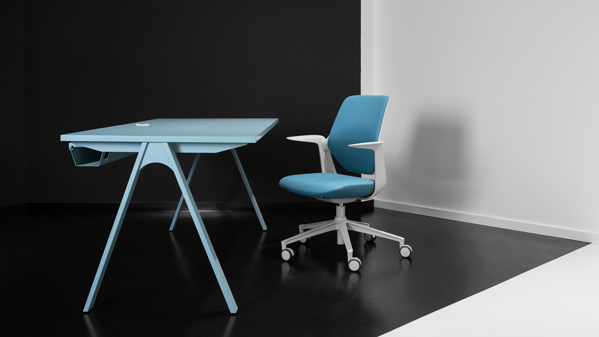 New in our offer! Balma MULTIBASE desk and folding table system